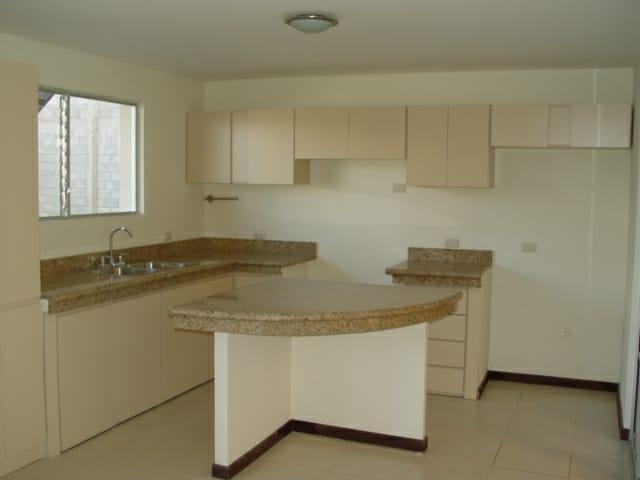 Alquiler Apartamento en Santa Ana