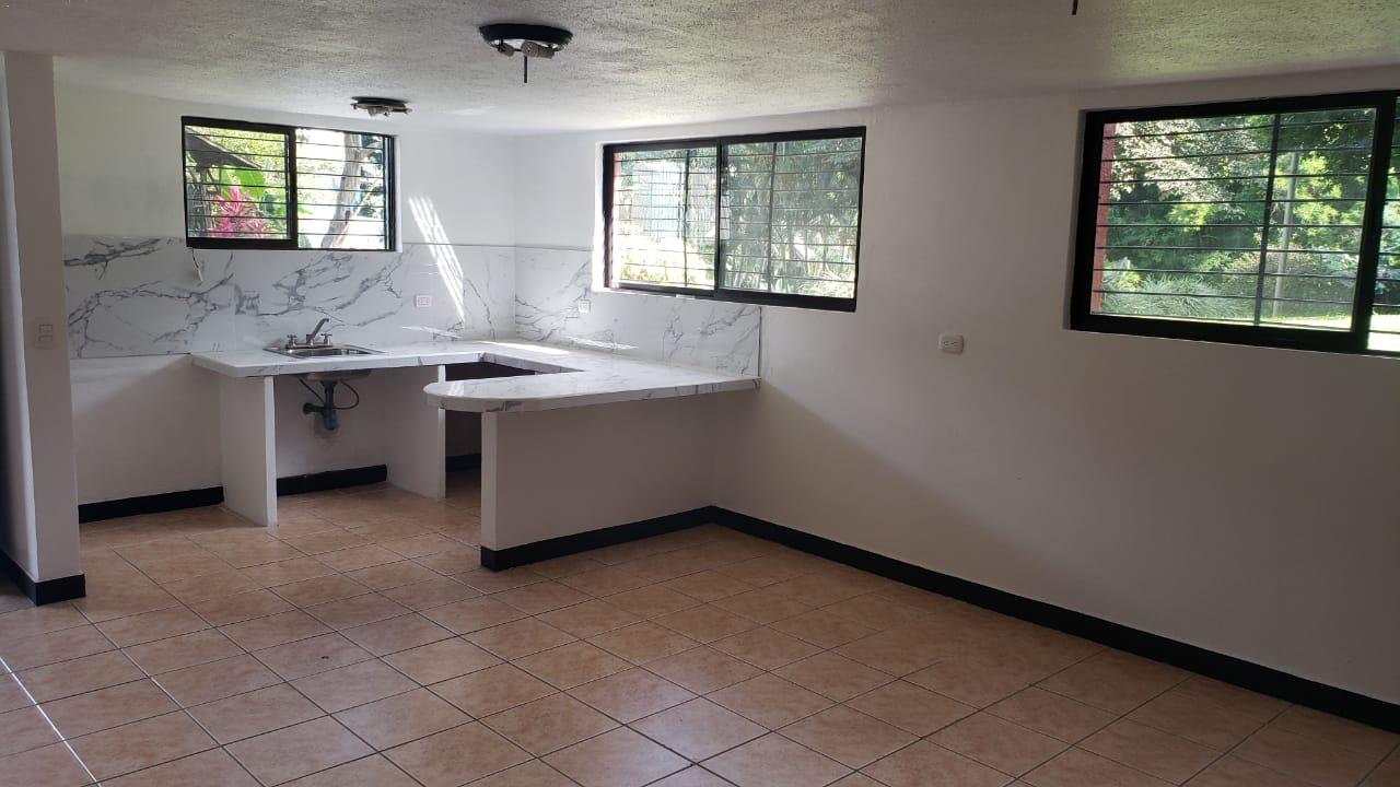 Alquiler de apartamento pequeño tipo estudio en quinta privada $500.