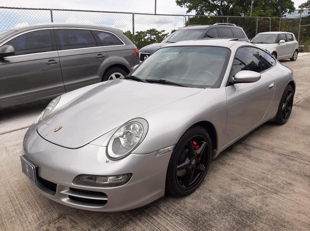 Se vende Porsche 911 Carrera 2003