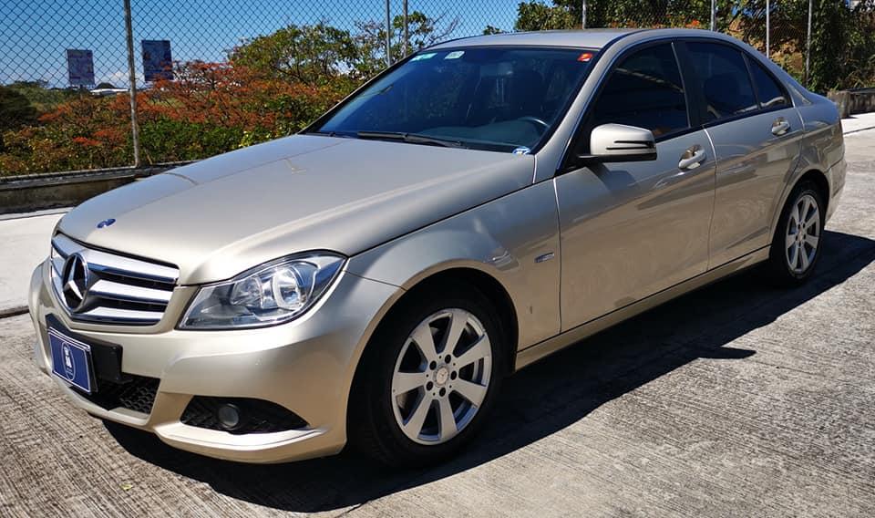 Se vende Mercedes Benz C180  Año 2012.