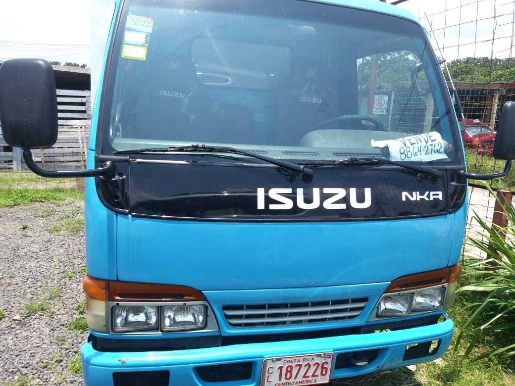 Isuzu NKR 2002