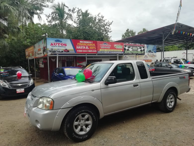 PICK UP-NISSAN FRONTIER XE-EXTRACABINA-2004-MANUAL-4X2-?5.175.000