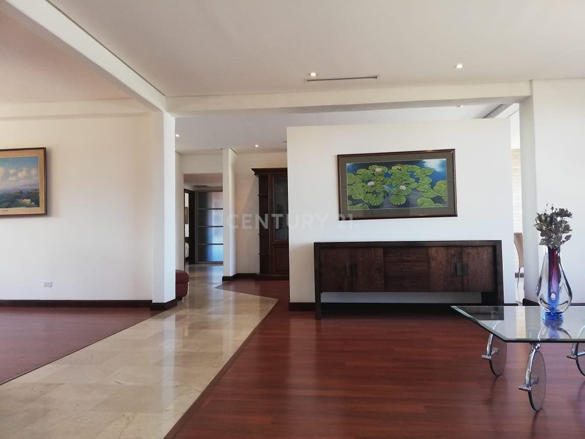 APARTAMENTO EN TORRE VISTAS PANORAMICAS ZONA EXCLUSIVA LAURELES ESCAZU