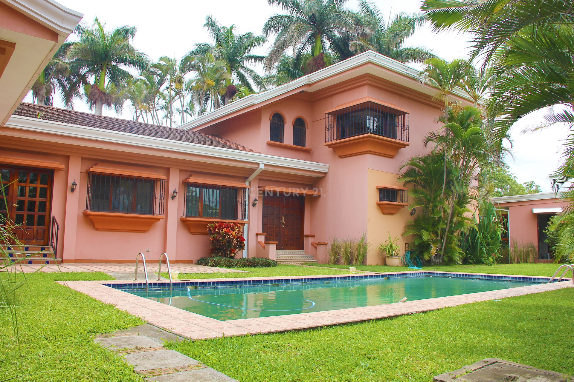 ¡Hermosa Casa en Venta!! Con Vista espectacular en Residencial Cariari