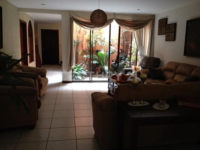 Hermosa Casa, San Jose Trejos Montealegre
