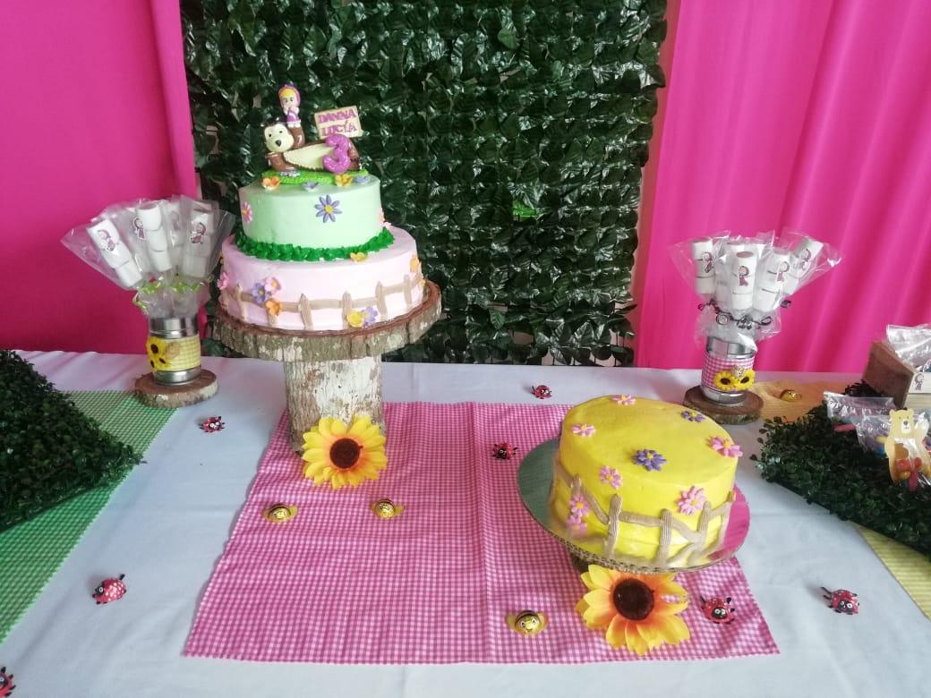 Decoración para fiesta de Masha y Oso