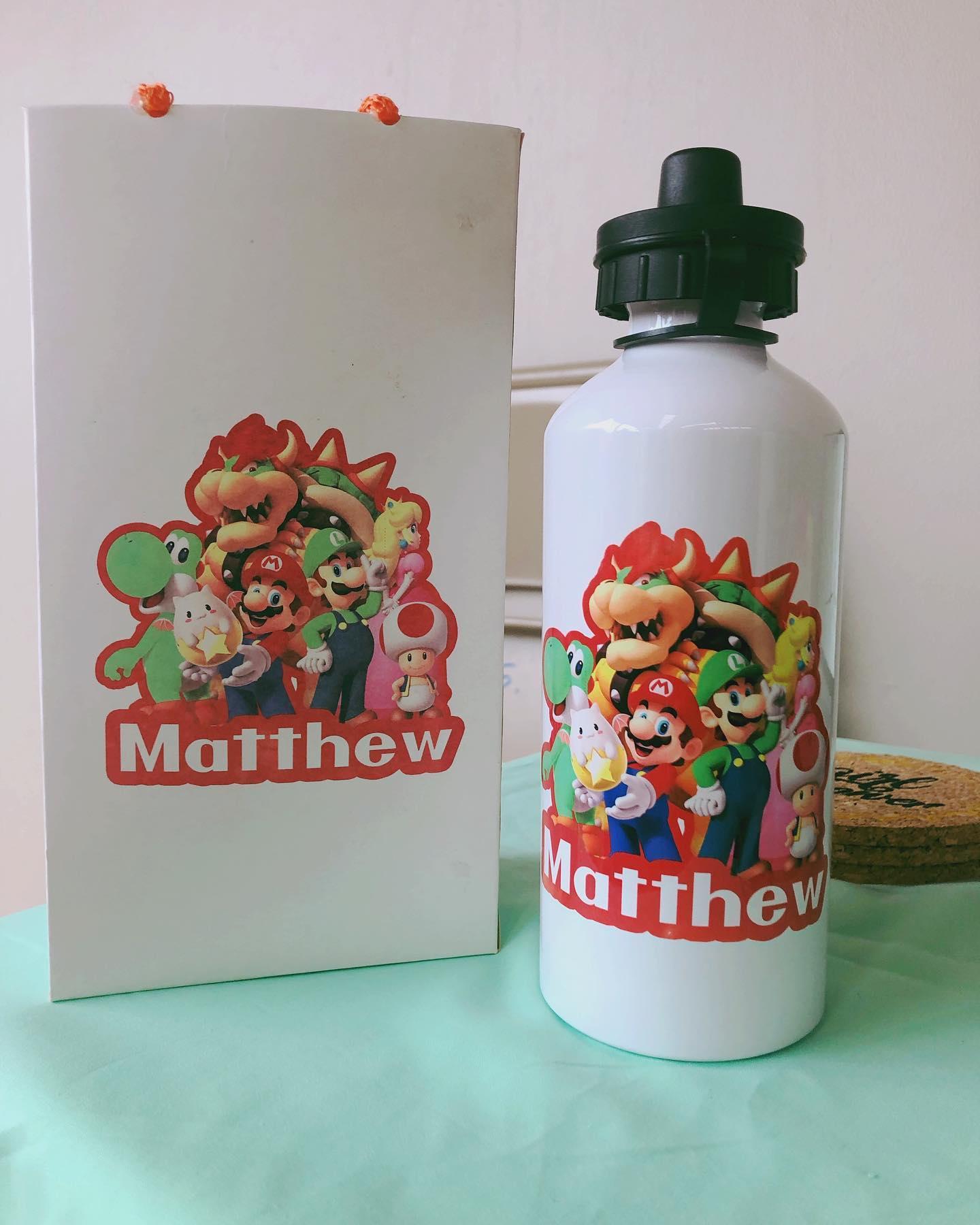 ¡Detalles súper especiales para los Niños! Botella con bolsita 100% personalizados