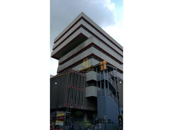 Oficina de 583 m2 en alquiler, Edificio Numar. San José