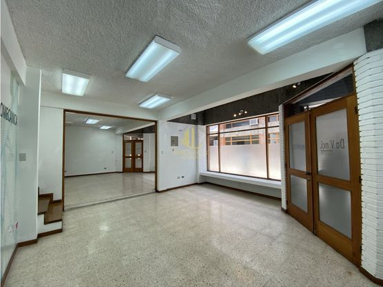 Local comercial de 136 m2 en alquiler, Trejos Montealegre