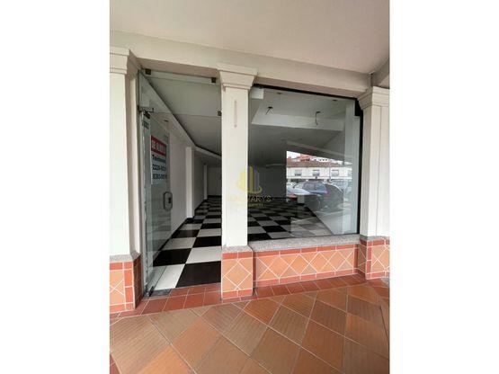 Local comercial de 99 m2 en alquiler, Plaza Itskatzú