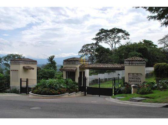 Lote residencial de 1041 m2 en venta, Condominio Corteza Amarilla, Brasil de Santa Ana
