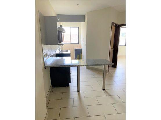 Apartamento con finos acabados en alquiler, La Uruca