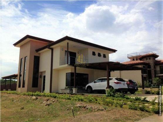 Casa contemporánea en condominio a la venta, Las Vueltas de La Guácima