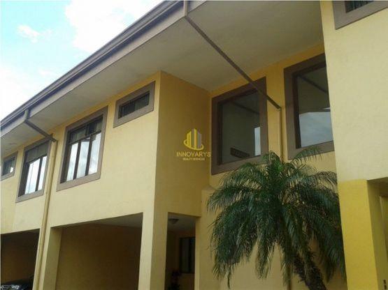 Casa de dos plantas en condominio, Pinar del Río. Guachipelín Norte de Escazú
