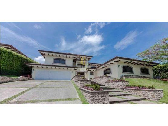 Casa de lujo a la venta en exclusivo residencial en Pozos de Santa Ana
