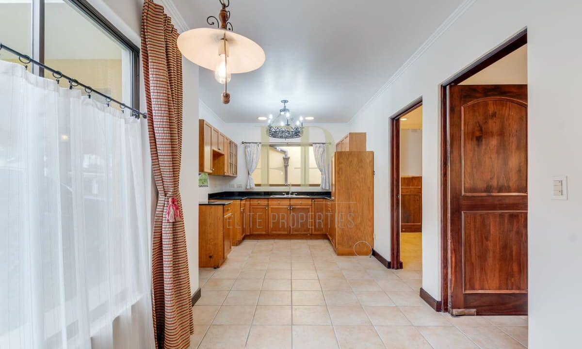 Alquiler de Casa en Condominio en Santa Ana #75