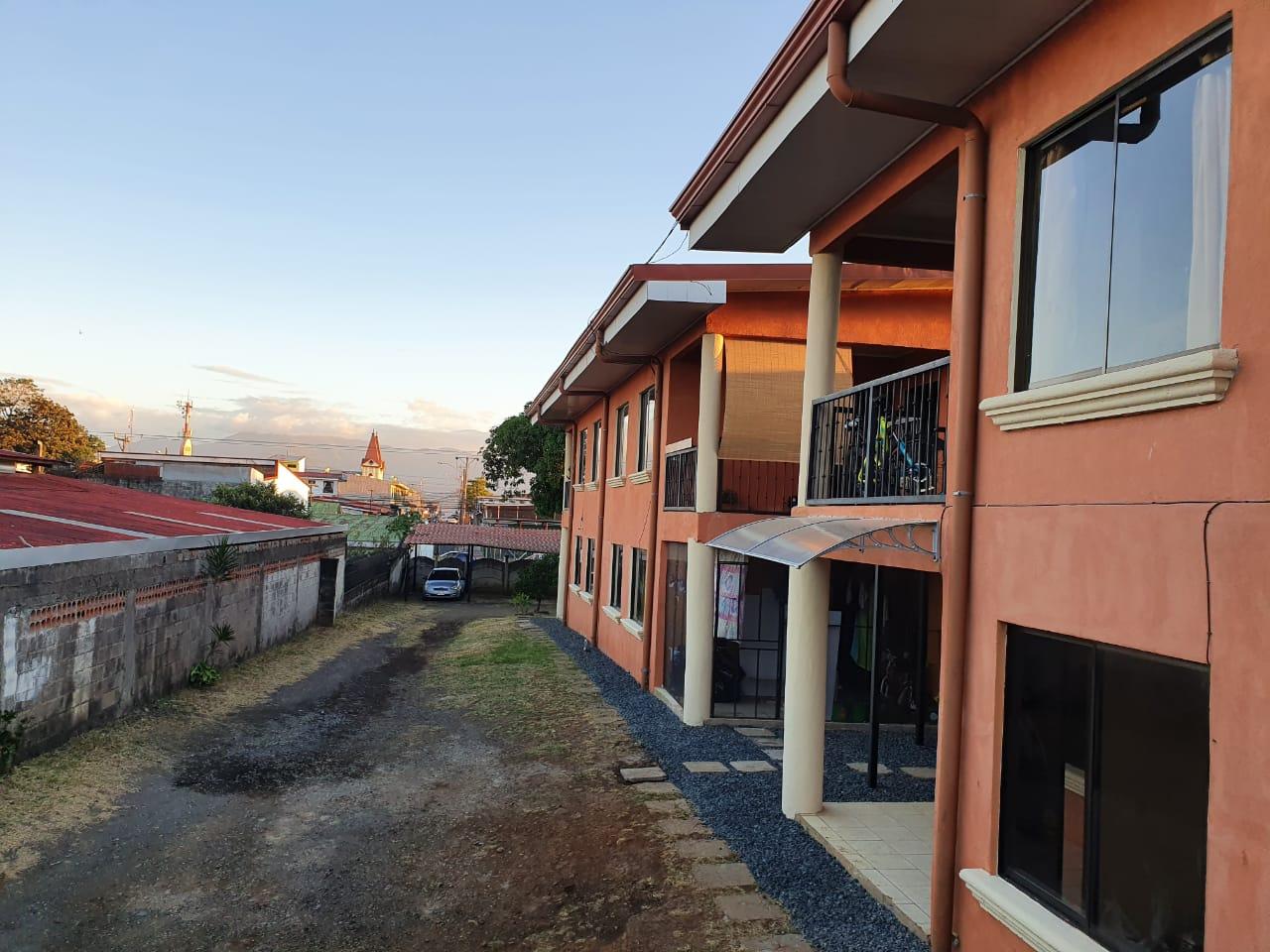 Apartamento de alquiler, Alajuela centro, ¢240.000=