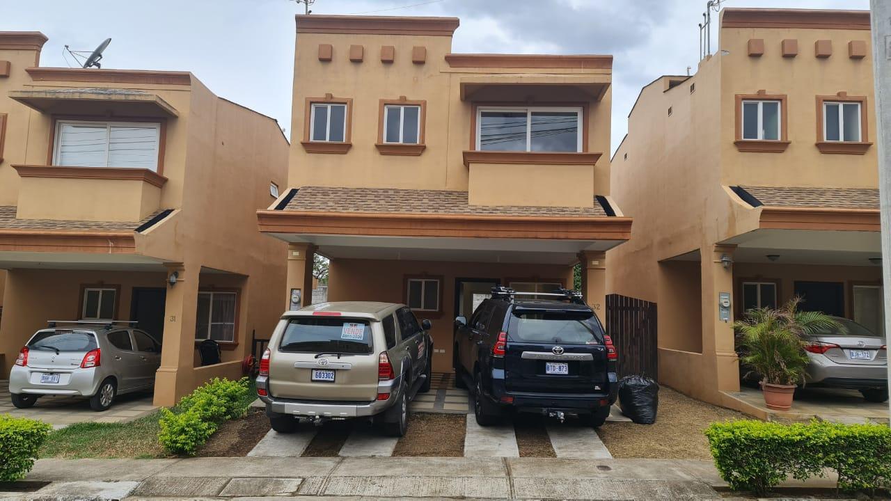 Alquiler de casa, Condominio Doña Elsie Guácima de Alajuela, 140 m2, $750=