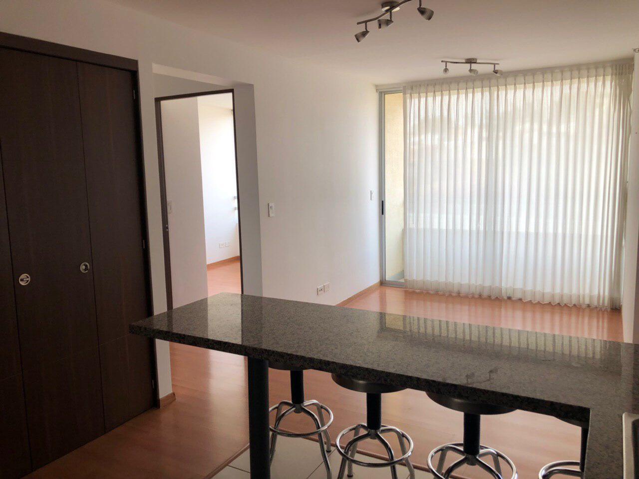 Venta de apartamento, Heredia Centro, 64 m2, $135.000=