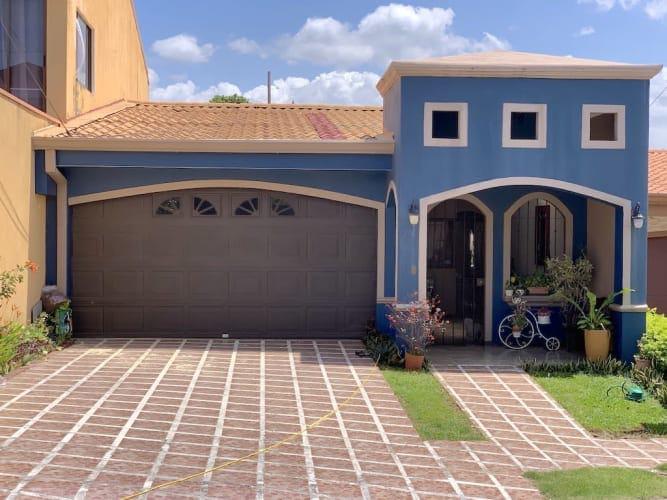 Venta de casa Urbanización Terranova en Alajuela Centro, 280 m2, $200.000=