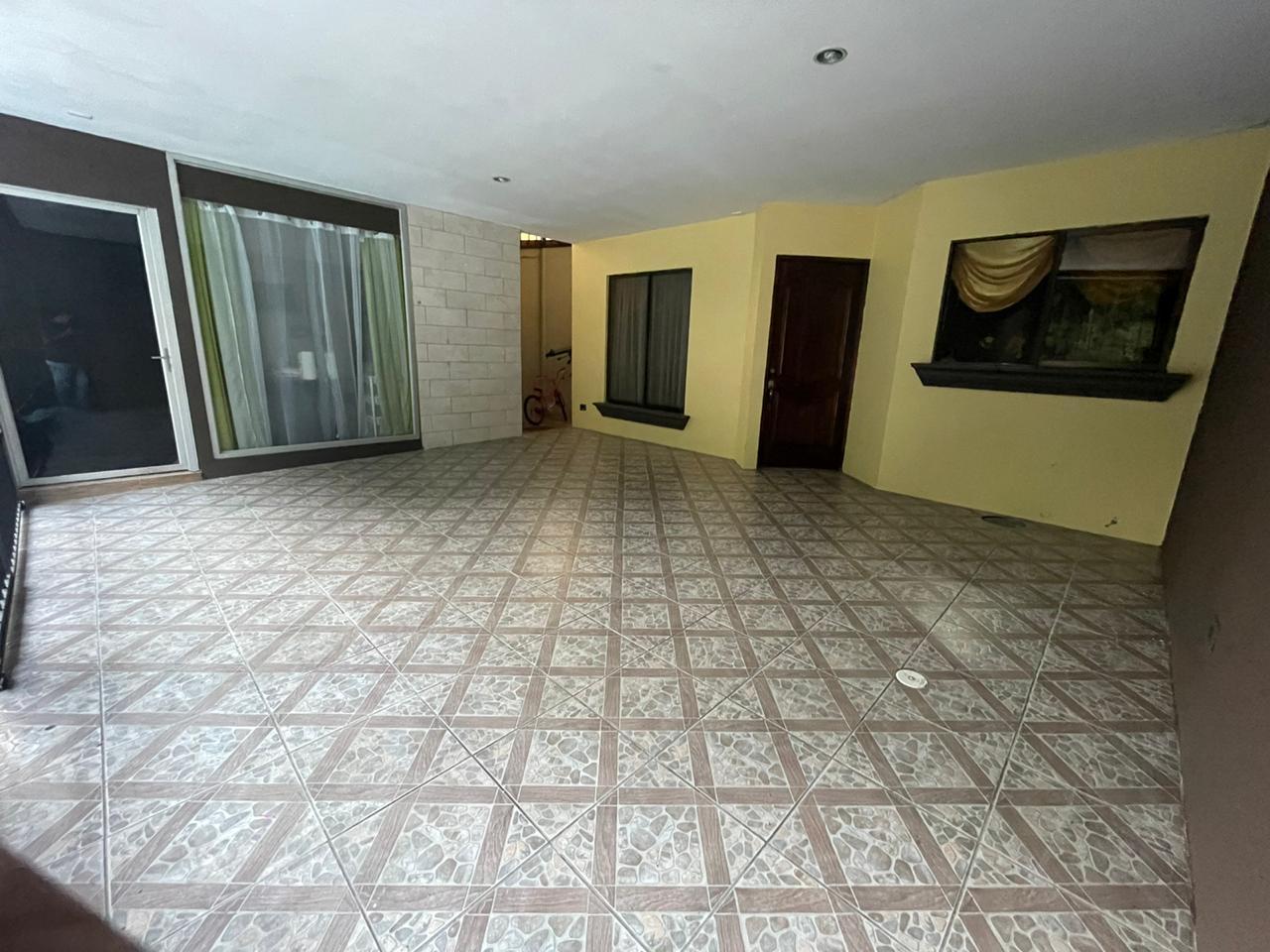 Venta de casa con local comercial, San Isidro de Alajuela, 156 m2, ?61.000.000=
