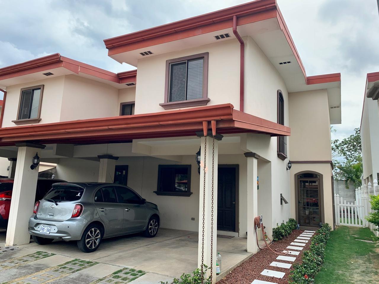 Venta de casa Vila del Lago, El Coyol de Alajuela, 195 m2, $130.000=
