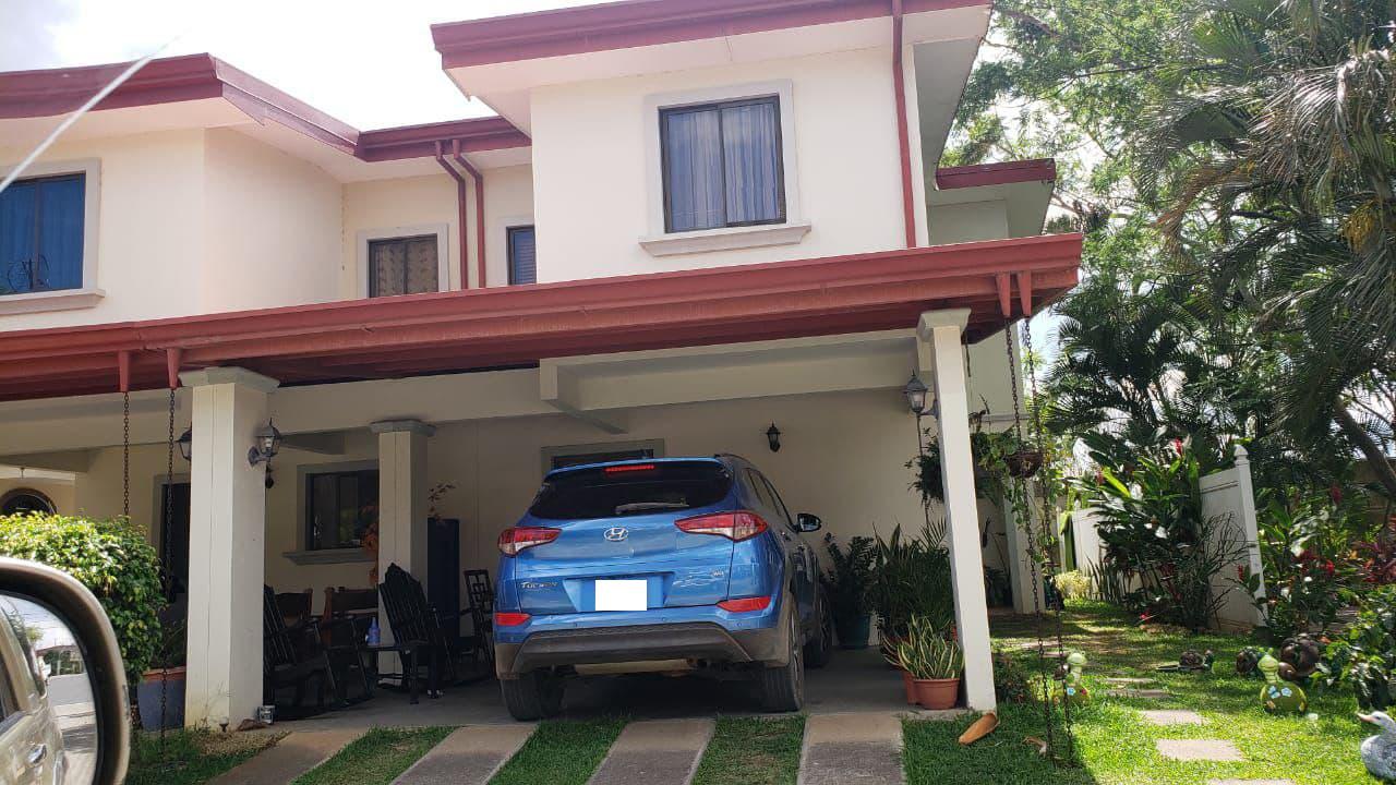 Venta de casa en Condominio Vila del Lago, Alajuela, 160 m2, $110.000=