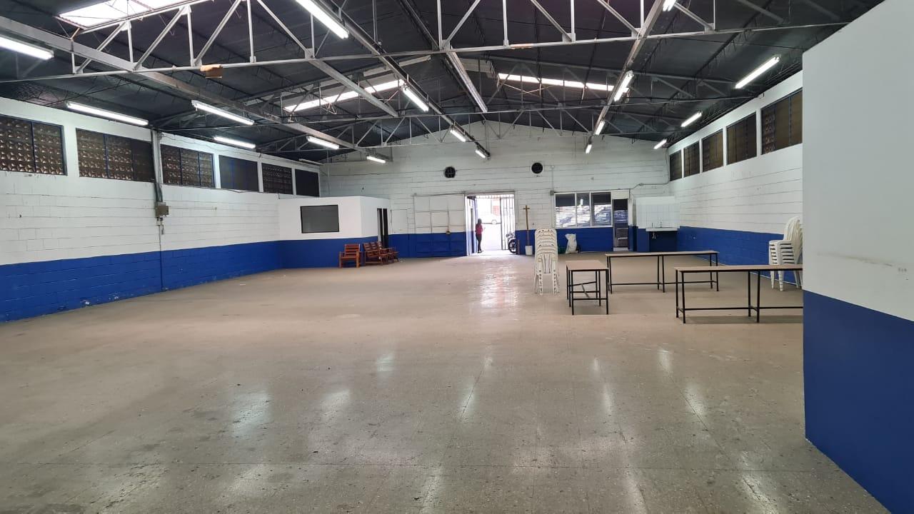Alquiler de bodega o local comercial en Alajuela centro, 450 m2, $2.700=