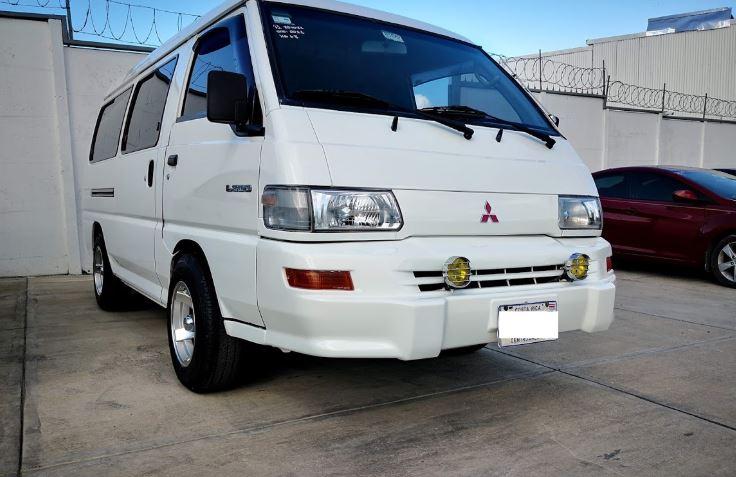 Mitsubishi L300 año 2011