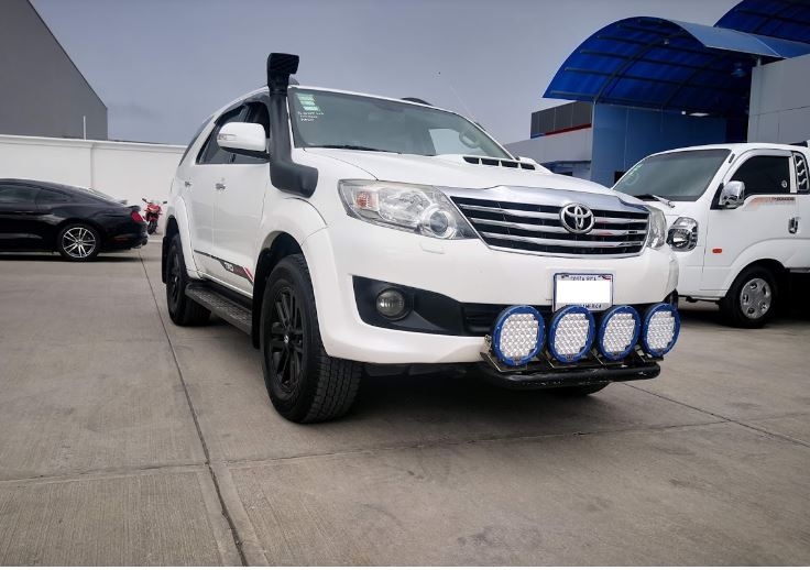 Toyota Fortuner SRV año 2013