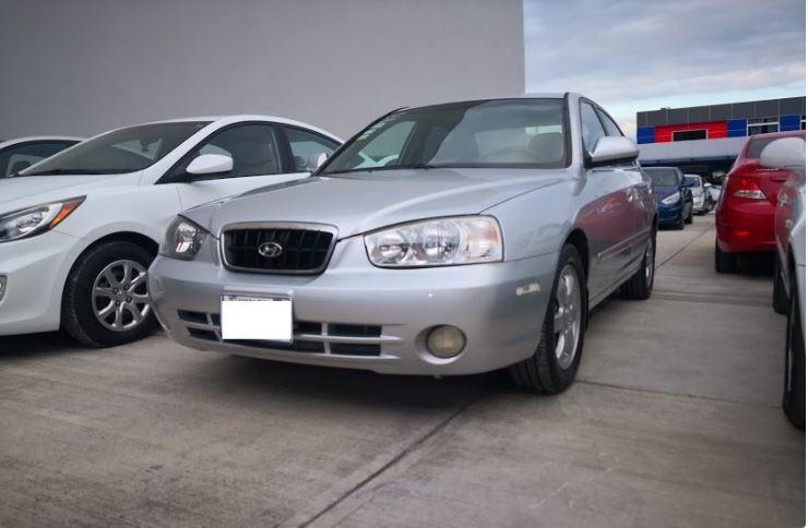 Hyundai Elantra año 2002