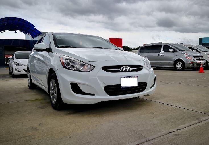 Hyundai Accent año 2015