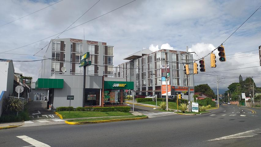 Venta de Apartamento en Condominio Vive Sabanilla